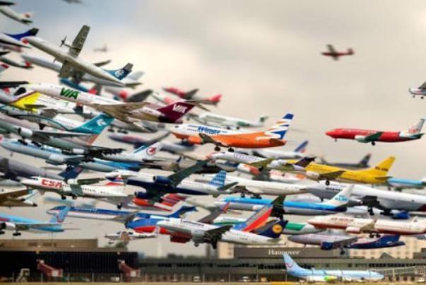دو سوم هواپیماهای جهان زمین گیر شده اند!