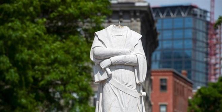 معترضان به تبعیض نژادی سر مجسمه کاشف آمریکا را در بوستون قطع کردند