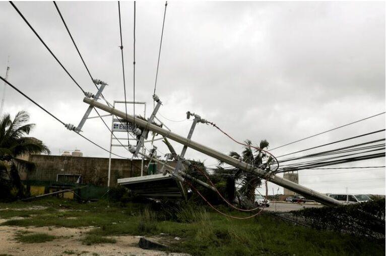 خبرنگاران طوفان عملکرد چندین پالایشگاه نفتی آمریکا را مختل کرد