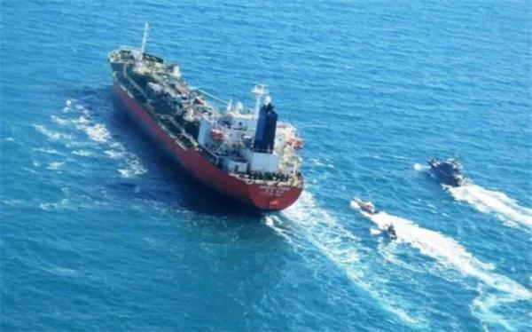توقیف یک نفتکش ایرانی در اندونزی